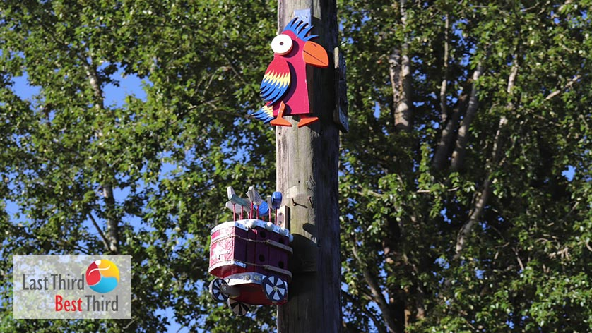 Birdhouses-of-Ridgefield-WA-Bird-and-Cart-Birdhouses