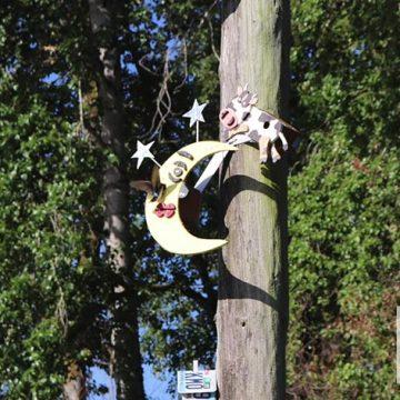 Birdhouses-of-Ridgefield-WA-Cow-and-Moon