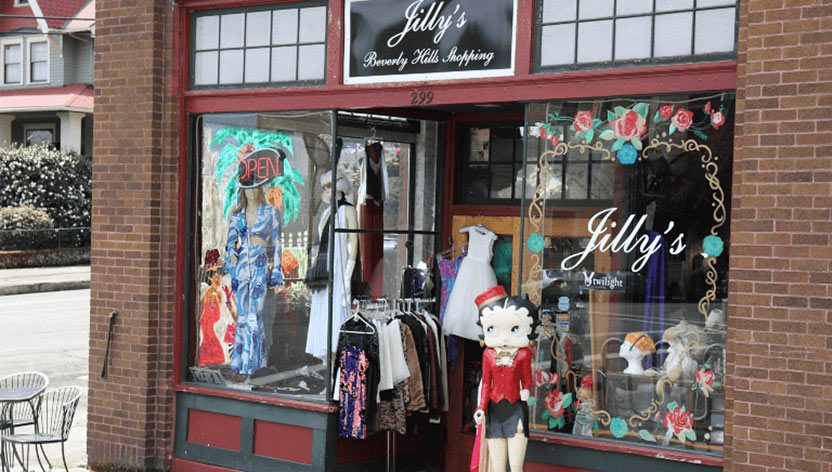 Lilly's S 1st St - Cowlitz